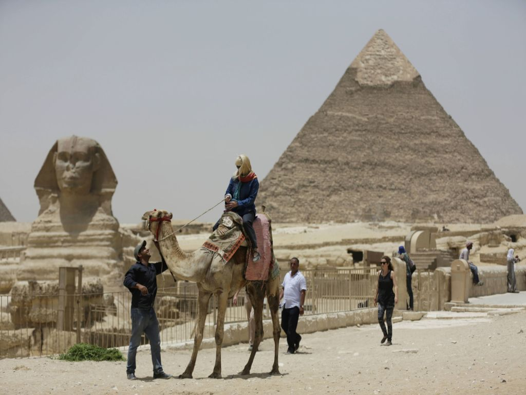 Giza Pyramids Nile Lunch Day Tour from Ain El Sokhna Port