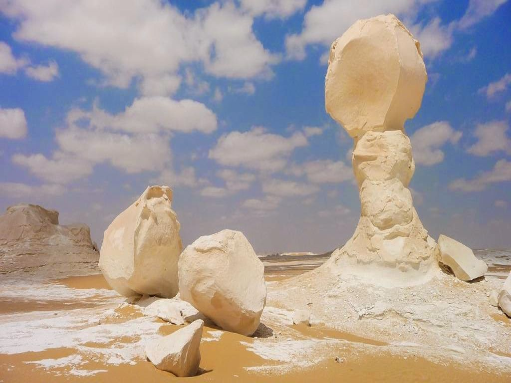 White Desert & Bahariya 3 day Tour