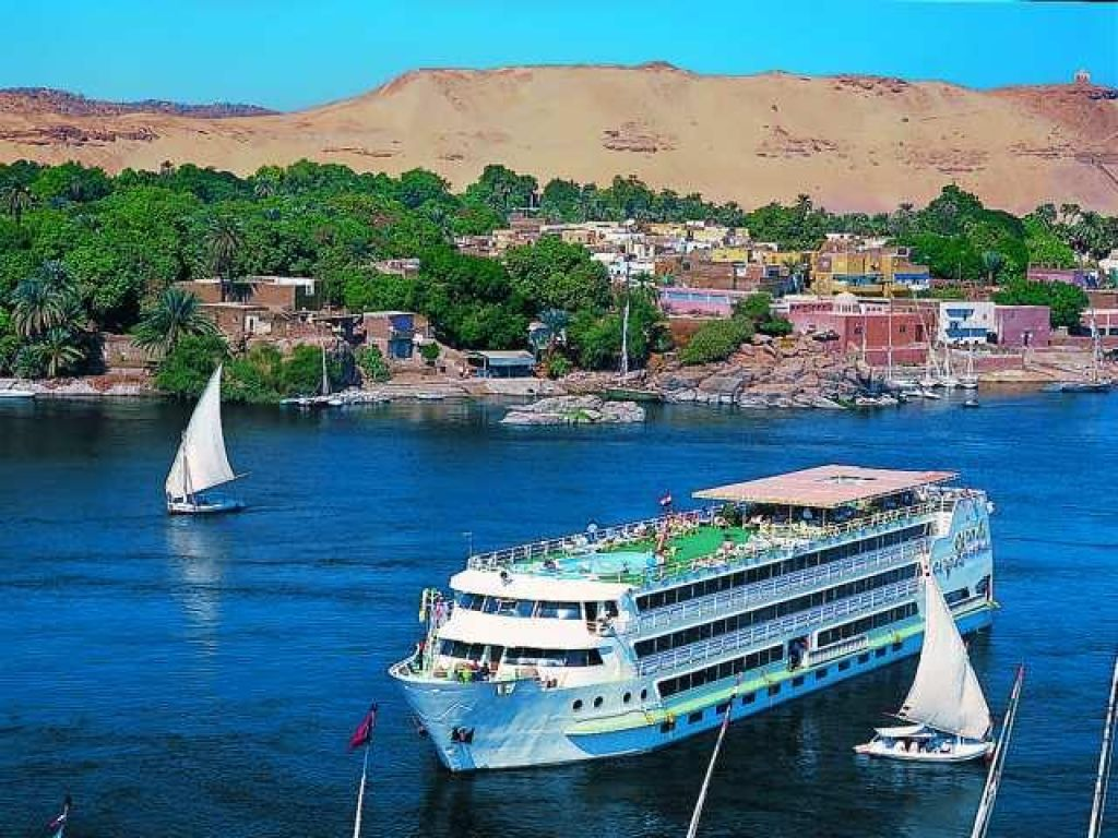 Cairo & Nile Cruise Luxury Trip by Flight