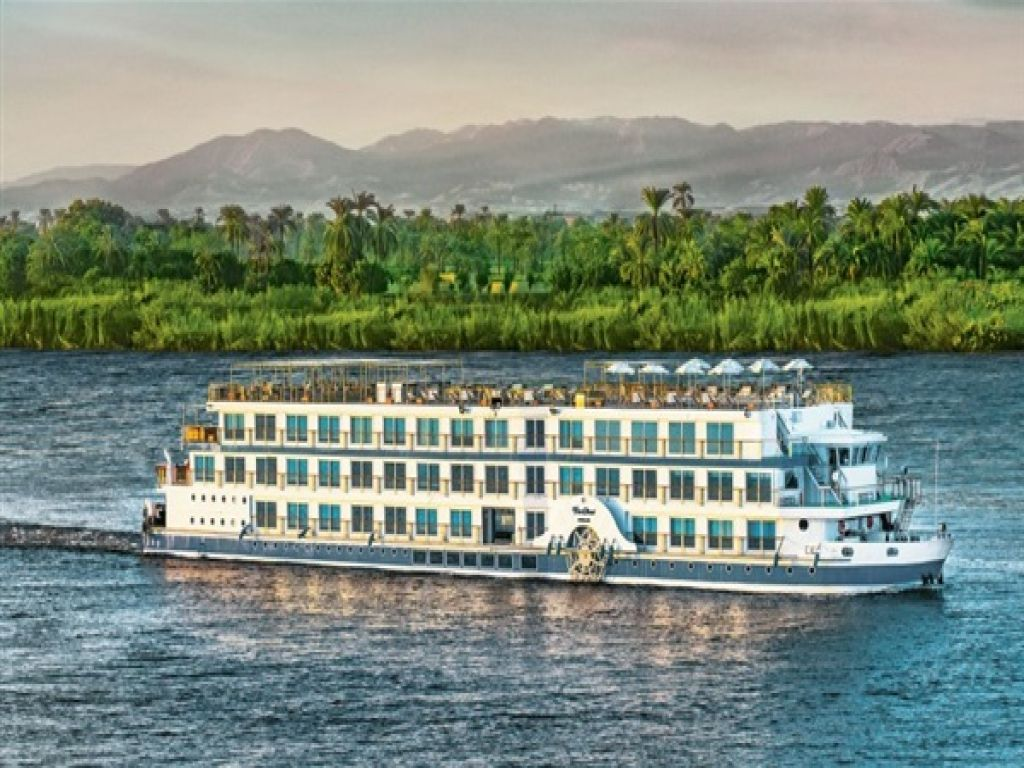 Cairo Pyramids and Luxury Oberoi Philae Easter Nile Cruise