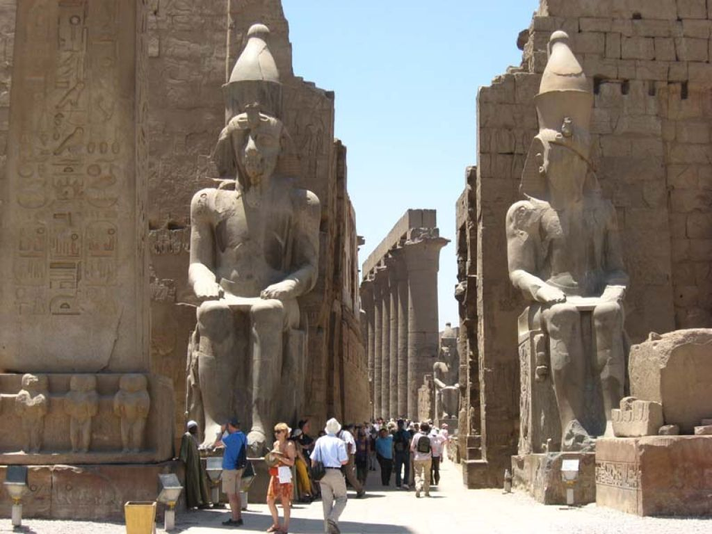 Luxor Private Full Day Tour: Valley of Kings-Hatchepsut-Colossi of Memnon- Karnak/Luxor Temples