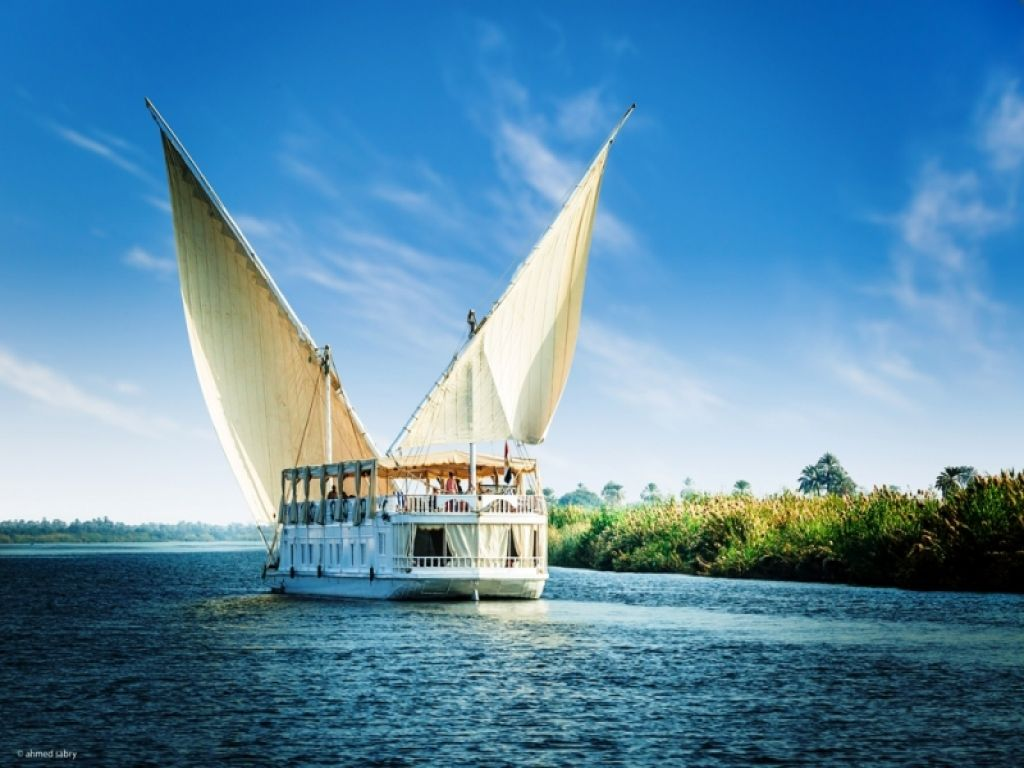 MS Amoura Dahabiya Nile Cruise 4 Days