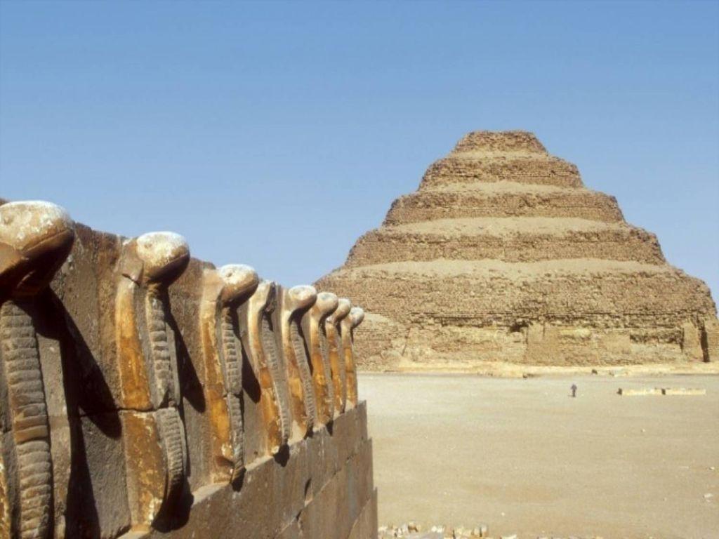 Sakkara & Dahshur Tour from Cairo