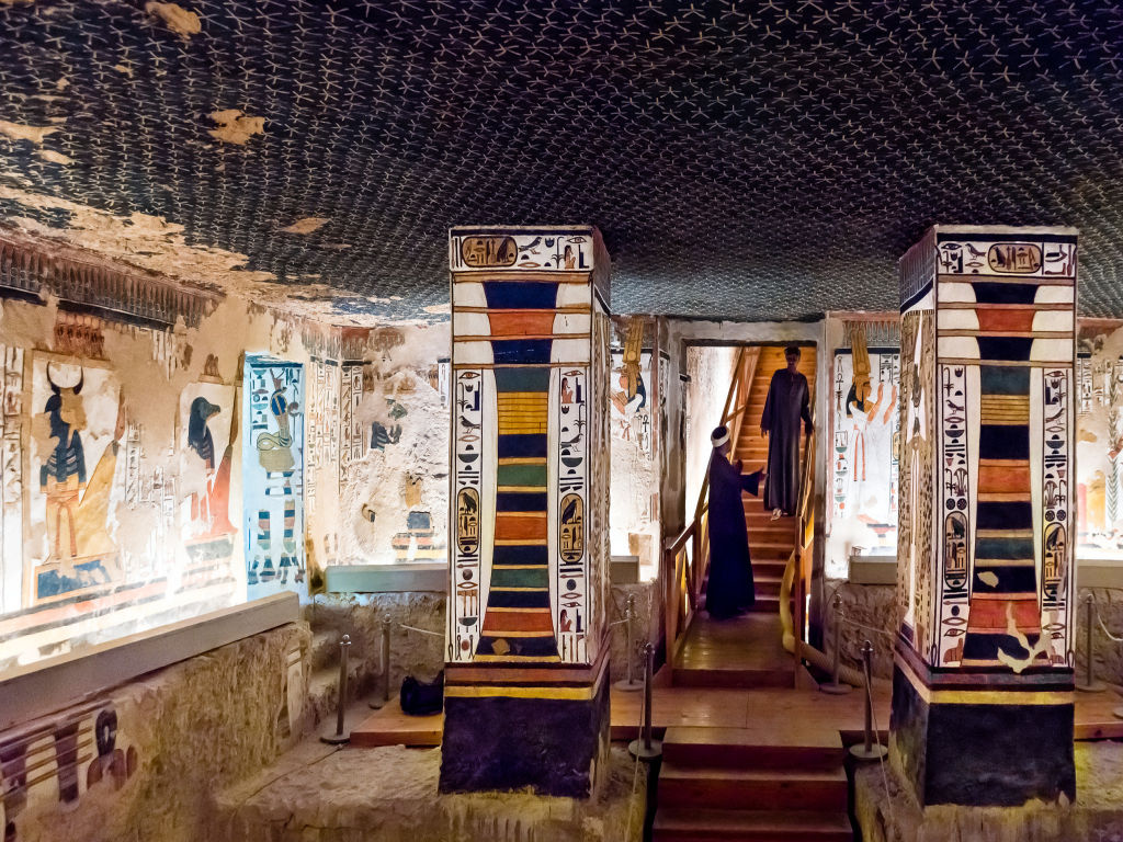 Luxor Private Tour: Covering - valley of the queens - Howard Carter House - Temple of Seti I - Ramesseum Temple