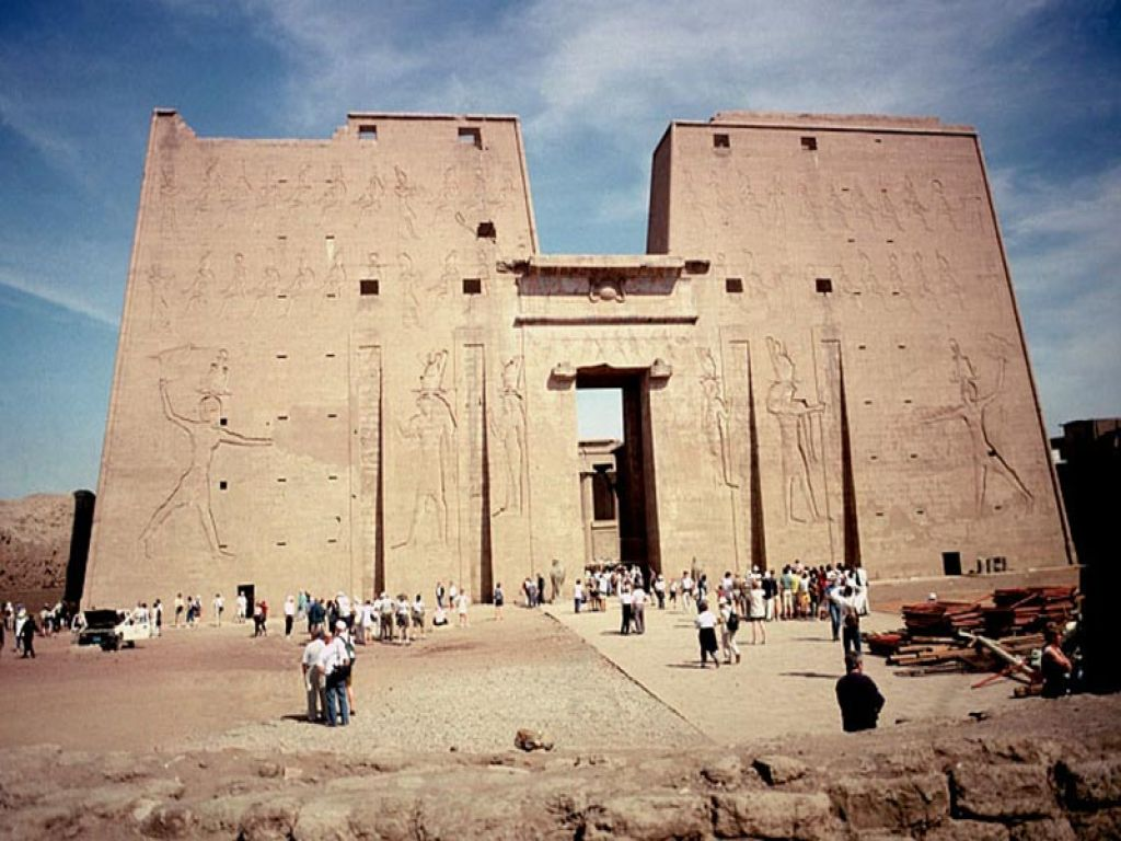 Day Excursion To Edfu and Kom Ombo from Luxor