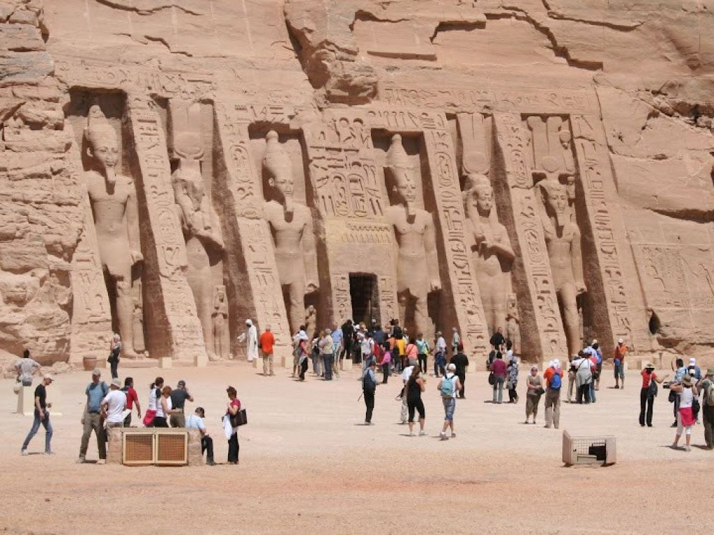 Day Tour to Abu Simbel by road