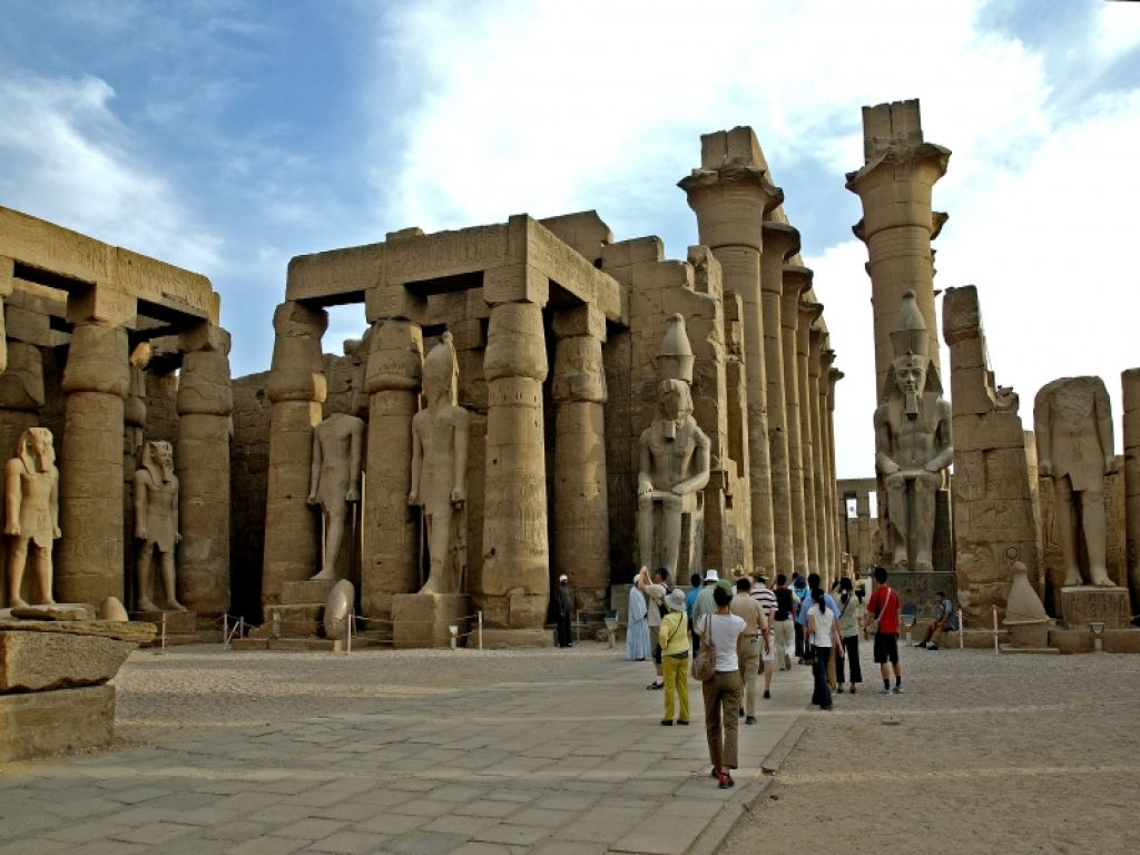 Private Full Day Tour: to Luxor from Cairo by flight