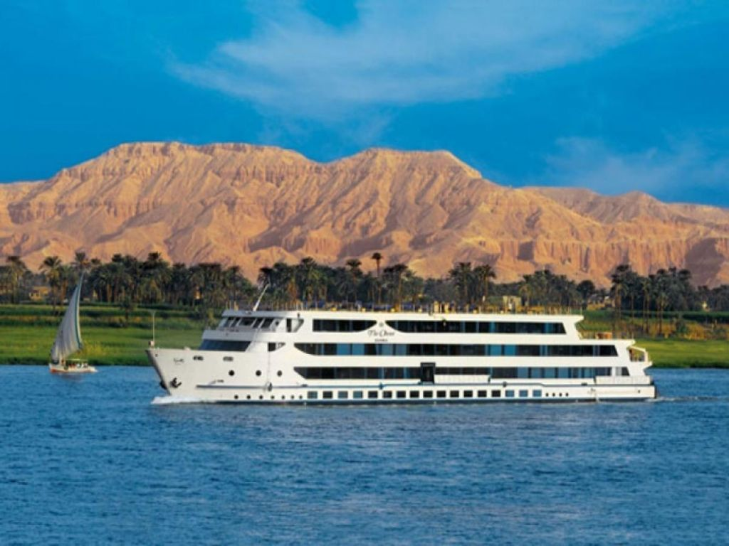 Easter Vacation Trip Cairo Luxor and Aswan Nile Cruise by Air